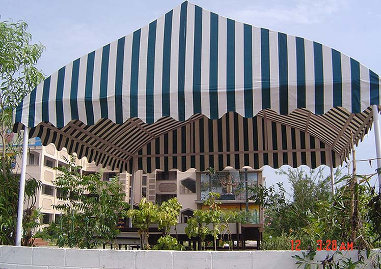 Retractable-Awnings-25
