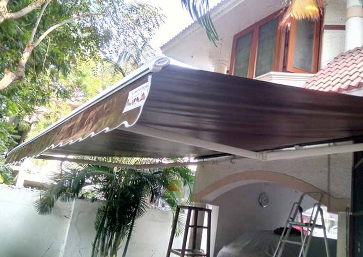 Retractable-Awnings-9