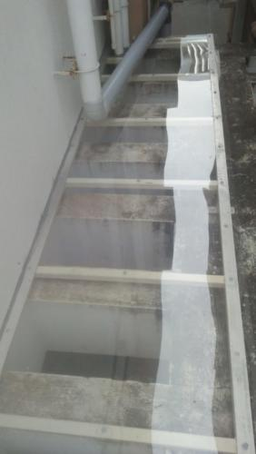 Polycarbonate roofing terrace ventilation